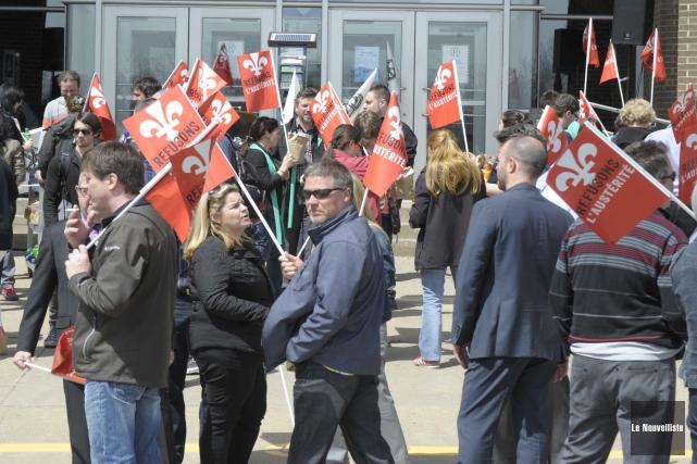 À l'instar de plusieurs groupes vendredi, les professeurs... (Photo: Sylvain Mayer Le Nouvelliste)