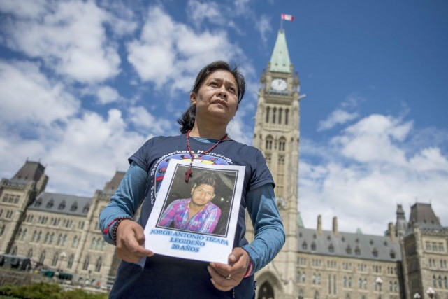 Le fils de Hilda Legideno Vargas est l'un... (Photo La Presse Canadienne)