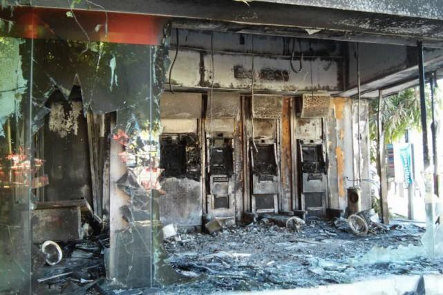Quatre explosions de violences ont également été signalées... (PHOTO Moiss Madariaga/Diario Meridiano, AFP)