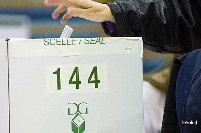 Six personnes ayant brigué les suffrages à Château-Richer,... (Photothèque Le Soleil)