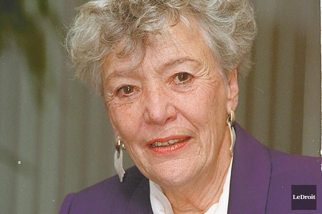 Marion Dewar, mairesse d'Ottawa à l'époque, avait pris... (Archives, LeDroit)