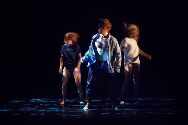 Bien que la pièceSelfie puise dans plusieurs modes... (PHOTO JULIE ARTACHO, FOURNIE PAR LE THÉÂTRE D'AUJOURD'HUI)