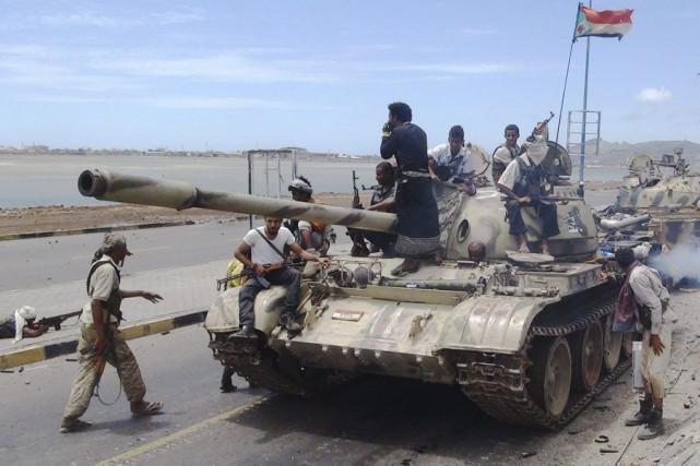 L'objectif de l'opération militaire est de rétablir le... (PHOTO SALEH AL-OBEIDI, AFP)