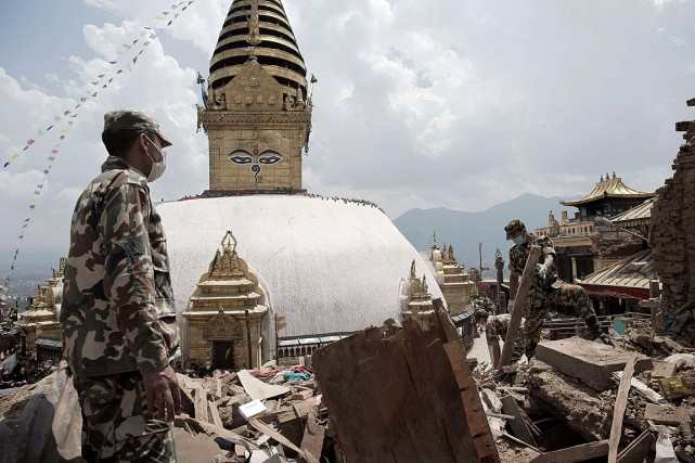 Le site du temple Swayambunath, ou «temple des singes», a... (Photo Nicolas Asfouri, AFP)