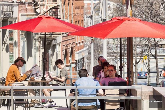 Mariève Germain et Marc-Antoine Beaudoin s'apprêtaient à déjeuner sur la... (Imacom, Jocelyn Riendeau)