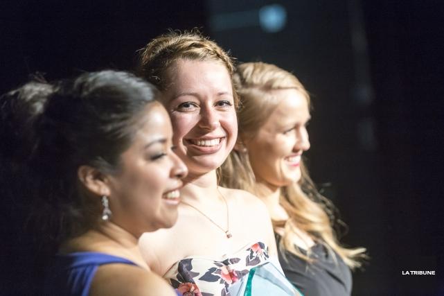 AbbyWalsh (au centre) a remporté les grands honneurs... (Imacom, Jocelyn Riendeau)