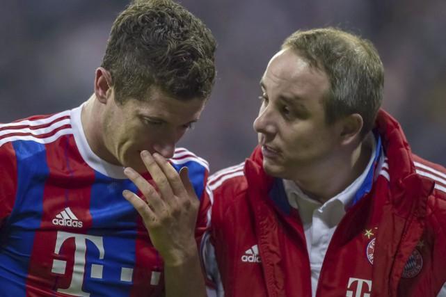 Robert Lewandowski s'estfracturé lenez et la joueen demi-finales... (PHOTO AFP)