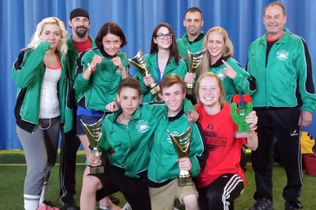 Loïck Lahaie, Ludrick Caron, Carole-Anne Mercier et Rosalie... (Photo, Club de Boxe de Sherbrooke)