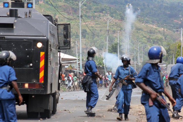 Deux manifestants ont été tués par balle à... (PHOTO JEAN PIERRE AIME HARERIMANA, REUTERS)