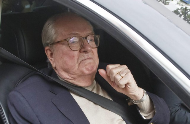 Le chef historique du FN Jean-Marie Le Pen.... (PHOTO MICHEL EULER, ASSOCIATED PRESS)