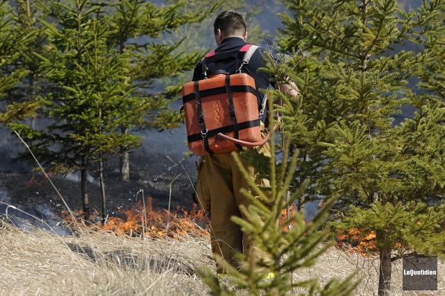 Le risque d'incendie de forêt et de broussaille est jugé «extrême» dans la... (Archives Le Quotidien)