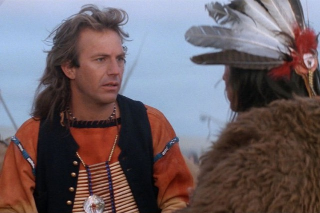Kevin Costner dans une scène de Dances with Wolves.... (Photo: AP)