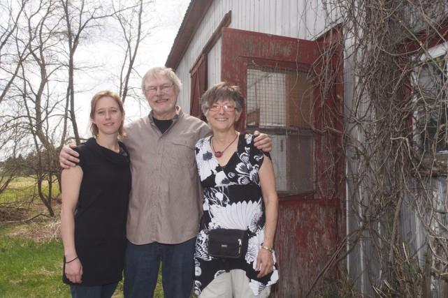 Tous trois de l'OBSL «d'Arts et de Rêves»,... (photo Alain Dion)