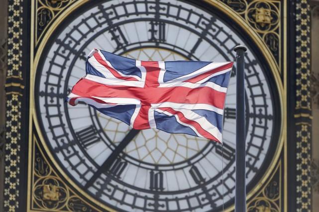 Plus de 45 millions de Britanniques sont appelés aux urnes jeudi pour des... (PHOTO NEIL HALL, ARCHIVES REUTERS)