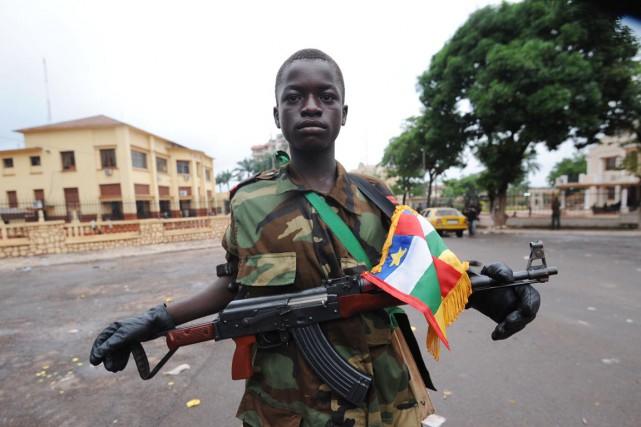 De 6000 à 10000 enfants seraient intégrés dans... (PHOTO SIA KAMBOU, ARCHIVES AFP)