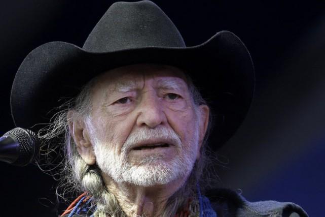 Willie Nelson est l'un des derniers géants encore... (Photo Gerald Herbert, archives AP)