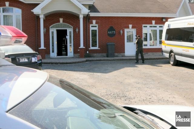 75 policiers de l'Escouade régionale mixte ont mené... (Photo collaboration spéciale Éric Beaupré)