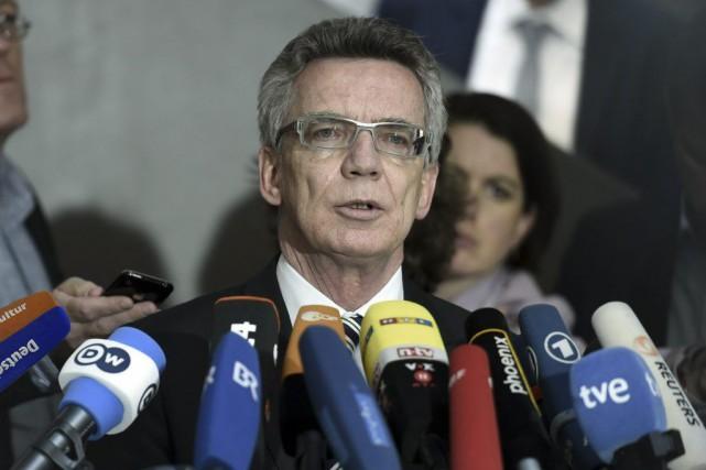 Thomasde Maizière, qui était à l'époque ministre à... (PHOTO ODD ANDERSEN, AFP)