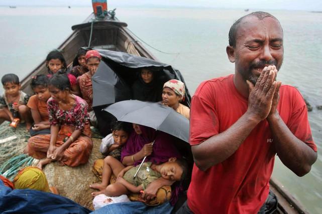Des musulmans Rohingyas musulmans sont forcés de quitter... (PHOTO ARCHIVES AP)