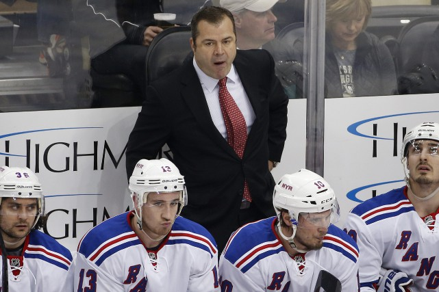 L'entraîneur des Rangers de New York, Alain Vigneault,... (PHOTO ARCHIVES AP)