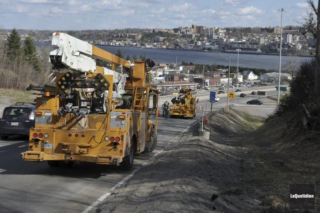 Les employés de Saguenay ont procédé hier après-midi... ((Photo Le Quotidien-Rocket Lavoie))