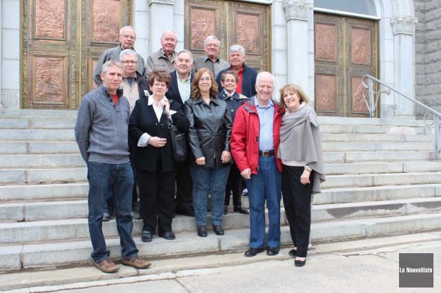 Le comité était très fier de dévoiler les... (Photo: Audrey Tremblay, Le Nouvelliste)