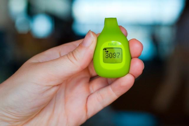 Fitbit est surtout connue pour ses bracelets connectés... (Photo Kevin Thrash, Archives Bloomberg)