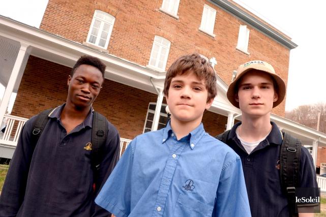 Pierre, Dylan et Alexandre ont trouvé une famille... (Le Soleil, Erick Labbé)