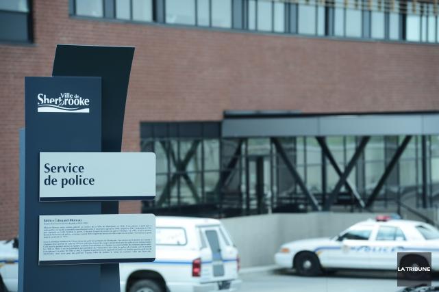 La Ville de Sherbrooke a procédé à l'abolition de trois postes au Service de... (Archives La Tribune, René Marquis)