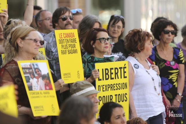Une vigile pour Raif Badawi a eu lieu... (PHOTO MARTIN CHAMBERLAND, LA PRESSE)