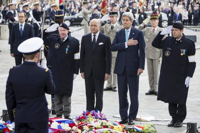 Le ministre français des Affaires étrangères Laurent Fabius... (PHOTO IAN LANNGSDON, REUTERS)