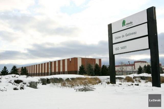 L'usine de Produits forestiers Résolu à Gatineau.... (Patrick Woodbury, Archives LeDroit)
