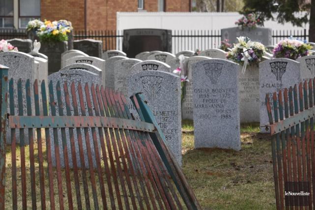 Le cimetière Saint-Paul à Grand-Mère fait peine à... (Photo: François Gervais, Le Nouvelliste)