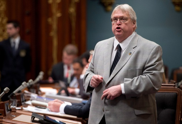 Le ministre de la Santé Gaétan Barrette se... (PHOTO JACQUES BOISSINOT, ARCHIVES LA PRESSE)
