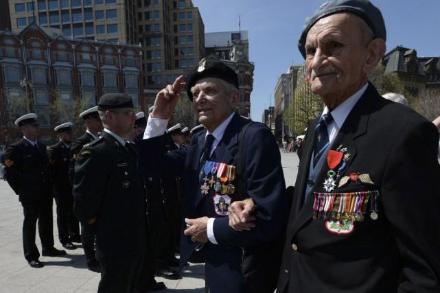 Stan Kielar, 87 ans, et Zbigniew Pierscianowski, 94... (Sean Kilpatrick, La Presse Canadienne)