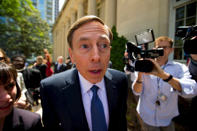 Le général David Petraeus.... (PHOTO CHRIS KEANE, ARCHIVES REUTERS)