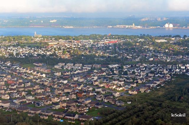 Chaque année, environ 850 unités d'habitation poussent sur... (Photothèque Le Soleil, Patrice Laroche)