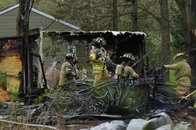 Un incendie a détruit un deuxième cabanon à... (Catherine Trudeau)
