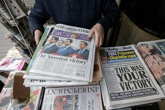 À peine réinstallé à Downing Street, David Cameron se voit confronté à la... (Photo Tim Ireland, AP)