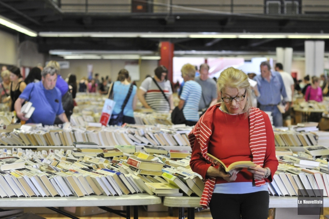 Plus de 85 000 livres ont été mis... (Photo: Émilie O'Connor, Le Nouvelliste)