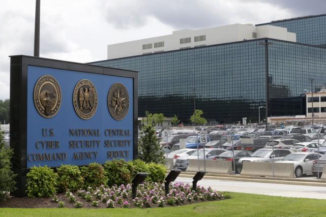 Le directeur de la NSA a jugé lundi possible de retrouver la «confiance» du... (Archives AP)