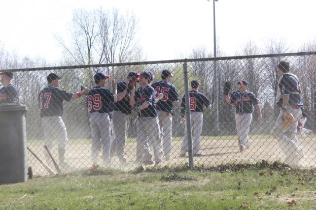 Les joueurs des Indians à l'entraînement. «Les gars... (Photo Amélie Faille)