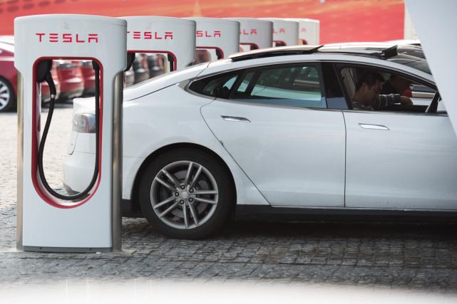 Spécialisé dans les voitures 100% électriques haut de... (Photo Johannes Eisele, AFP)