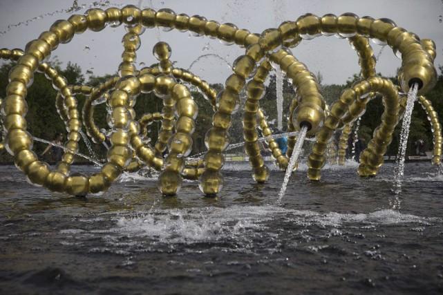 La sculpture Les belles danses du sculpteur Jean-Michel... (Photo: AFP)
