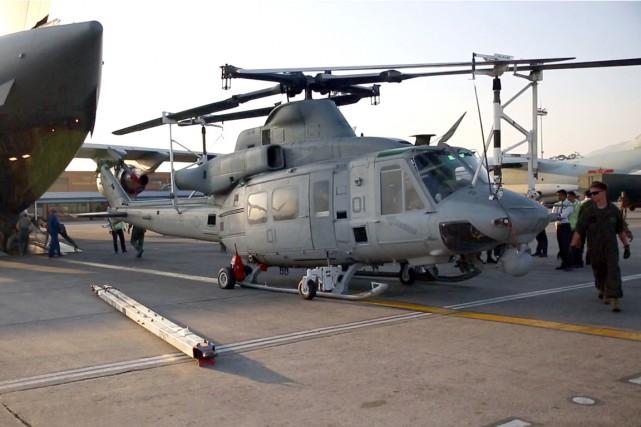 Un hélicoptère militaire américain UH-1Y Huey des Marines... (PHOTO ARCHIVES AFP/US MARINES CORPS)