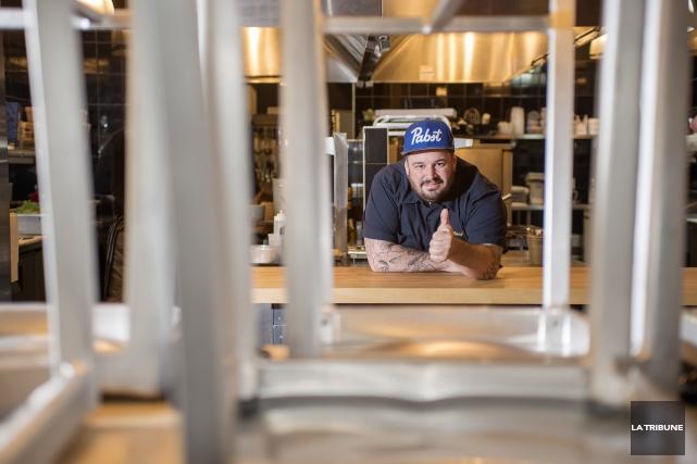 Charles-Emmanuel Pariseau, chef et copropriétaire du restaurant O... (Imacom, Frédéric Côté)