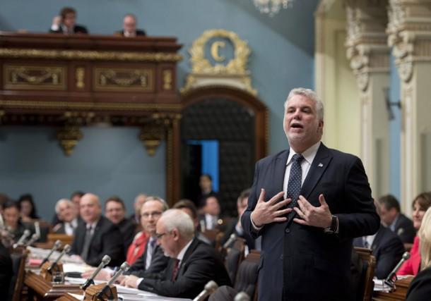 Le premier ministre Philippe Couillard répond à une... (La Presse Canadienne, Jacques Boissinot)