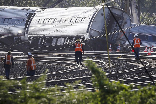 Au moins six personnes sont mortes et plus... (PHOTO MIKE SEGAR, REUTERS)