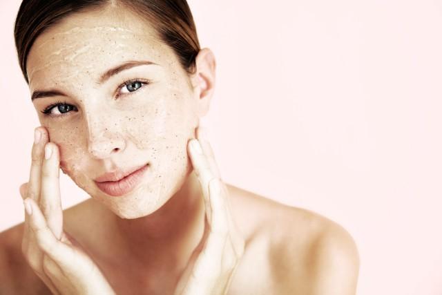 L'exfoliation permet d'améliorer l'aspect de la peau et... (Photo Masterfile)