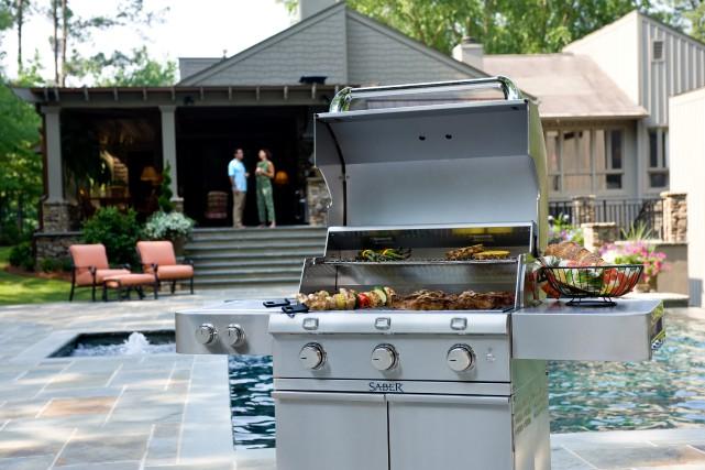 Avec l'arrivée du beau temps vient également la saison des barbecues. Bien... (Saber)